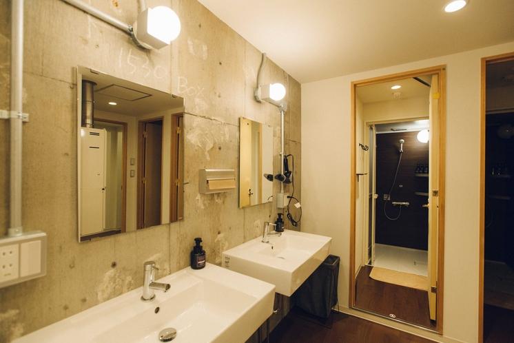 共用洗面台・シャワーブース(女性専用・有)