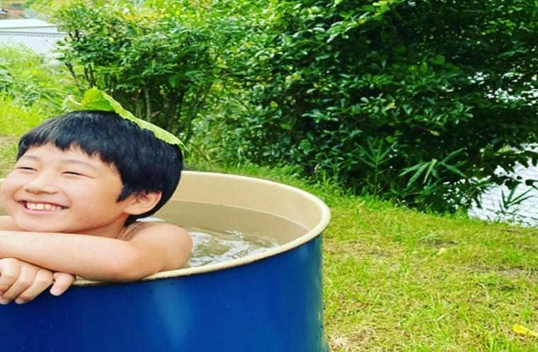 ドラム缶風呂は露天風呂気分で気持ちいい!!
