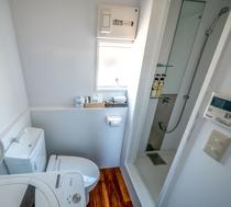 プライベートキャビン トイレ&洗濯機&シャワーブース