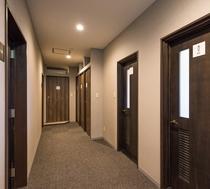 本館2F廊下&トイレ
