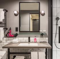 【シャワールーム】NYアパートメントスタイルのシャワー!