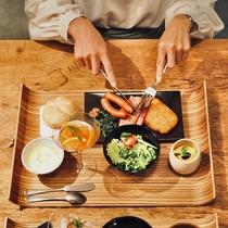 【朝食】メインを和食/洋食から選択&サイドをブッフェでお楽しみください♪