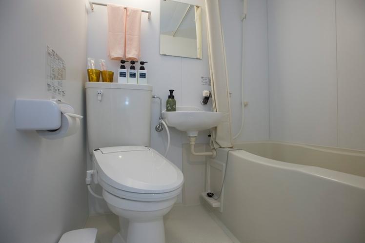 ダブルルーム・バス・トイレ