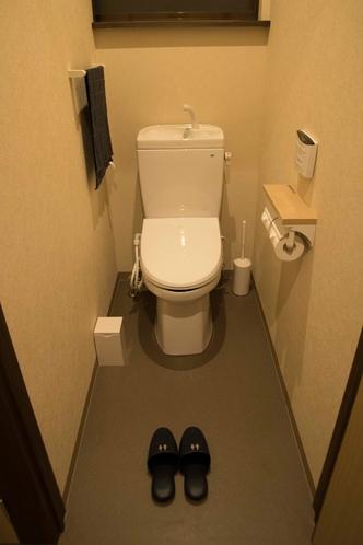 共用のトイレ(ウォシュレット付き)
