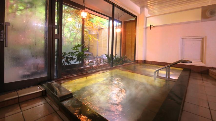 内風呂の温泉大浴場
