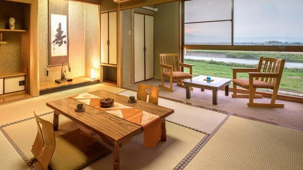 ■最上階-和室8畳■〜夕焼け映える茜色の空と、筑後川を眺める