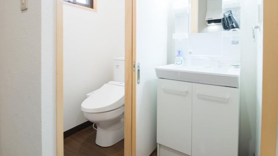 お風呂とトイレは分かれています。※各客室ごとに設備が若干変わります。