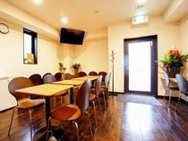 ◆朝食会場◆朝食会場へは1階エレベーターを降りて左へお進みください♪