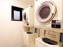 ◆コインランドリー◆1階に洗濯機・乾燥機2台ずつございます♪