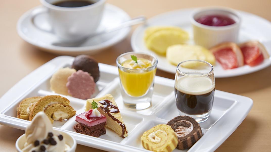 【ランチビュッフェ デザートイメージ】 デザートもお好きなものをお好きなだけお召し上がりください。