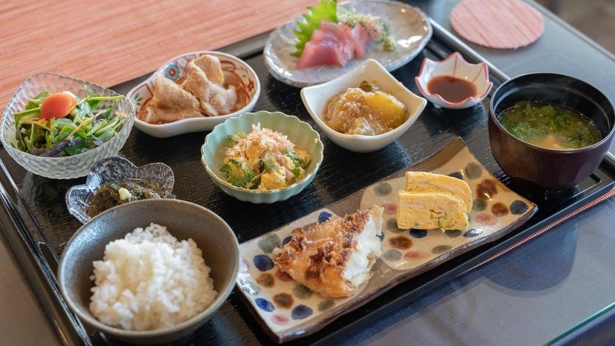 ●宮古島の食材を贅沢に活かした朝食(イメージ)