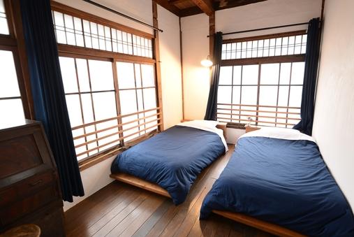 【禁煙】明るい角部屋。広々ツインベッドルーム(バスタオル付)