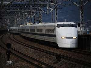 新大阪へは・・・なんば駅(地下鉄御堂筋線)新大阪 所要時間25分 270円