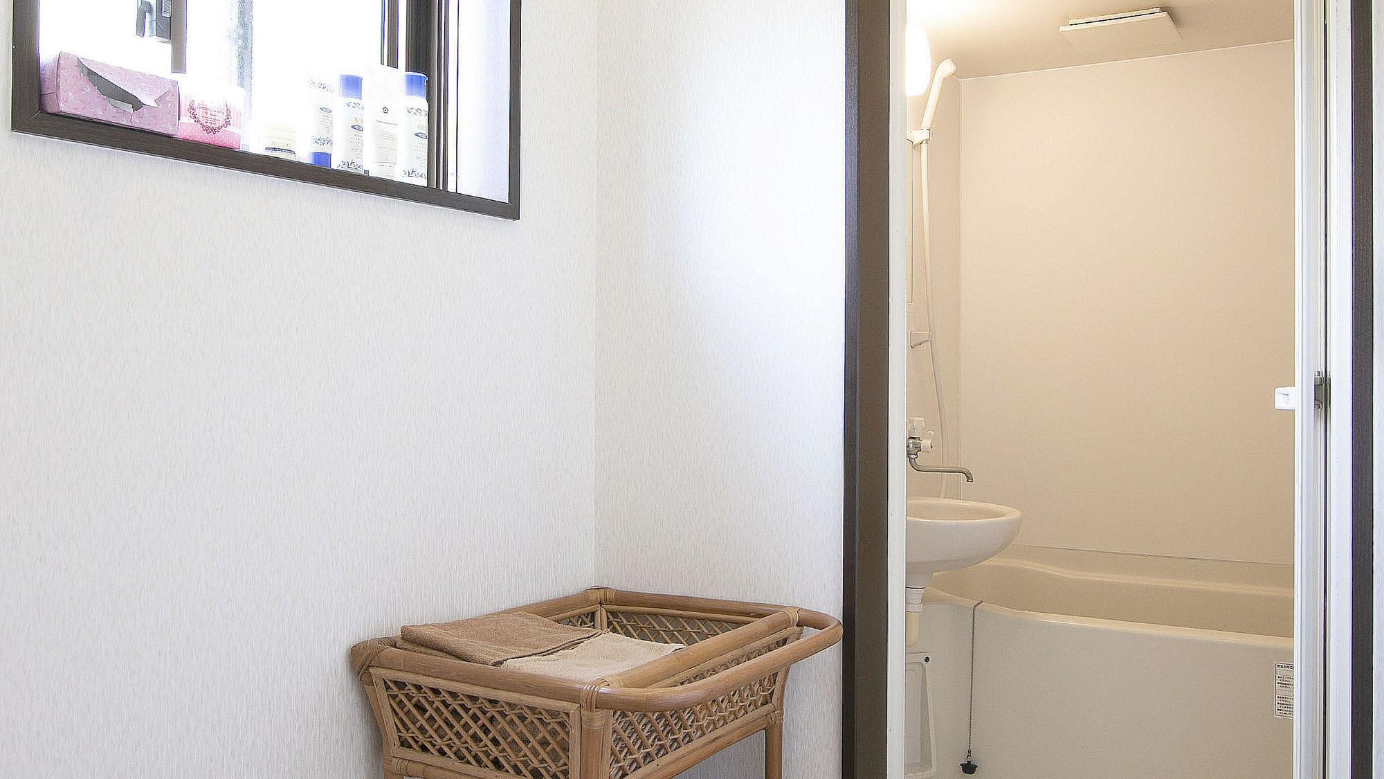 ・【共用バス】お風呂は2室あり、24時間いつでもご利用頂きます