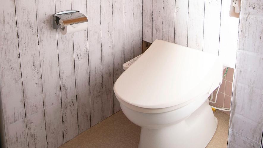 ・【トイレ】全部で4か所。女性専用、男性専用など少しでも快適にご利用頂けるようDIYしております