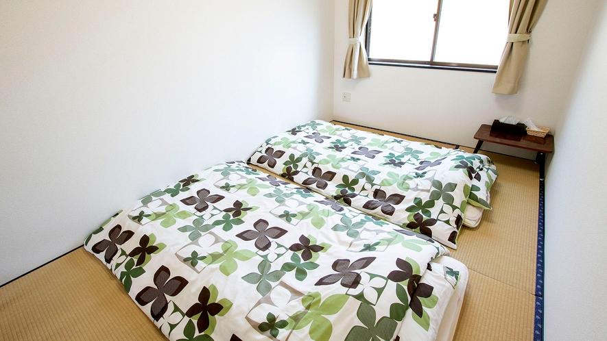 ・【和室】お布団と畳でゴロゴロとしたい方!鍵付きの完全個室なのでゆっくりとお寛ぎ頂けます