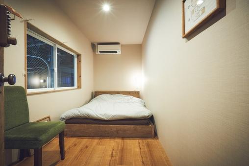 個室 ダブルベッドルーム