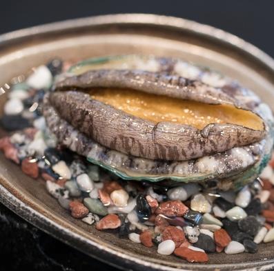 【活あわび付お任膳】 刺身、天ぷら、椀物、桜姫鶏、あわび源泉蒸し♪お湯自慢の福の湯へお越し下さいませ