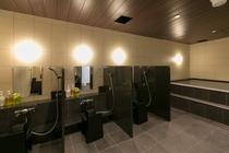 シャワーコーナーにも壁を設け、ゆったりした設計となっておりますので快適にご利用いただけます。