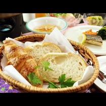 【選べる和食】洋食コースも充実の朝食♪『朝はパン派』に喜ばれています。