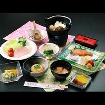 【選べる朝食】ご朝食は洋食・和食をお選びいただけます。朝からしっかり和食コースは大満足♪