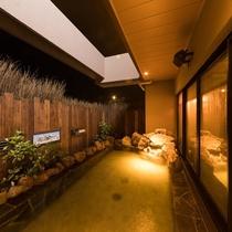 ◆女性大浴場露天風呂 夜