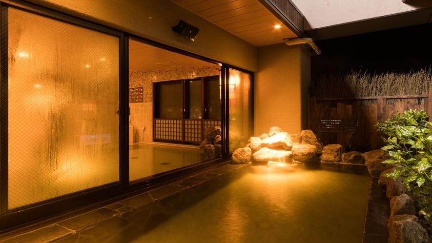 【男性】露天風呂 夜 湯質:奥道後温泉より引き湯