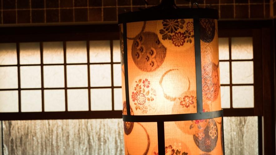 ◆大浴場内は提灯で綺麗にライトアップ♪