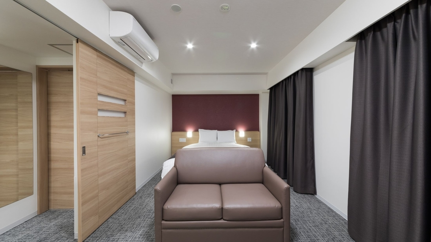 ◇禁煙◇キングルーム 30平米 ベッド180×195センチ