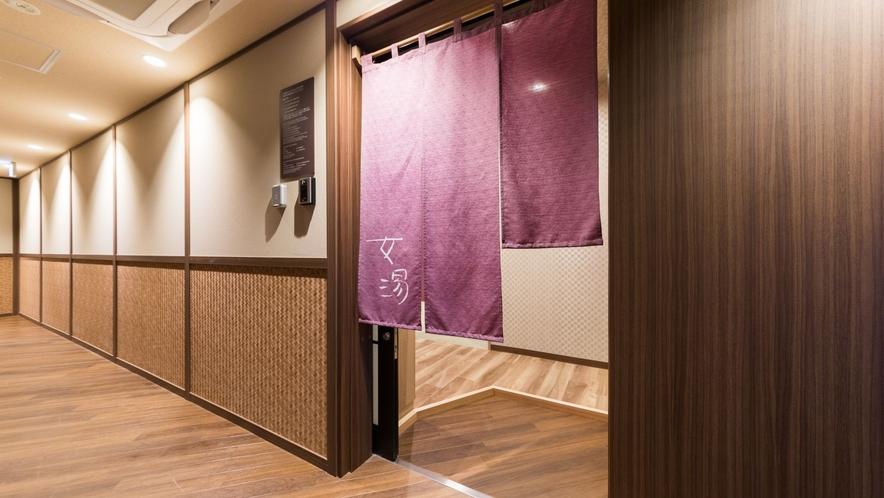 【女性入口】13Fエレベータ右手 暗唱番号で入場可能