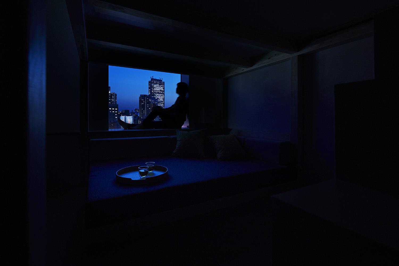 ◇YAGURA Room◇天井まで広がる窓から外を見ると街につつまれているかのよう
