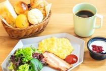 ◇朝食◇5種類のパンが楽しめるアメリカンブレックファースト