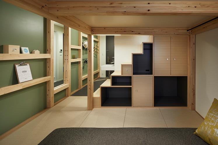 """◇やぐらルーム◇""""箱階段""""は機能的な収納と四角いデザインの組み合わせ"""