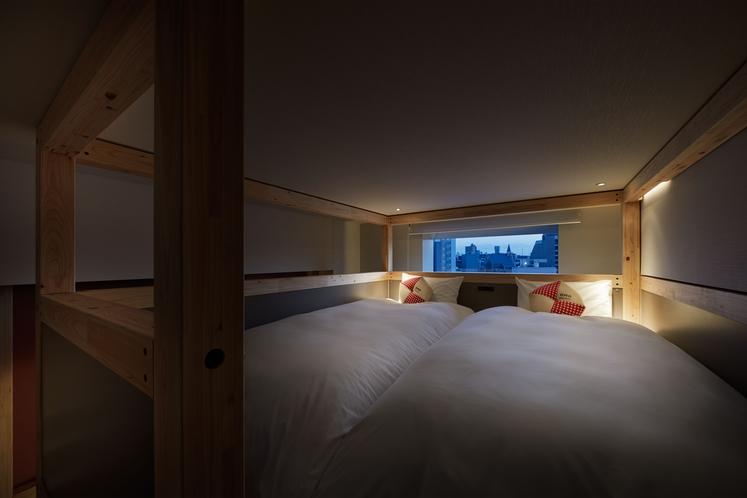 ◇やぐらルーム◇やぐら上段のベッドルームで快適な眠りを