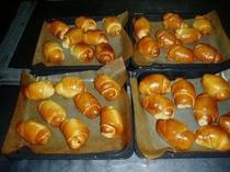 朝食に出す自家製ロールパン