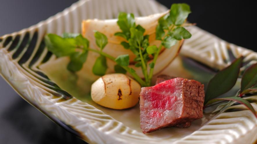 【ダイニング「清水茶寮」】夕食イメージ 黒毛和牛の炭火焼、旬野菜とともに