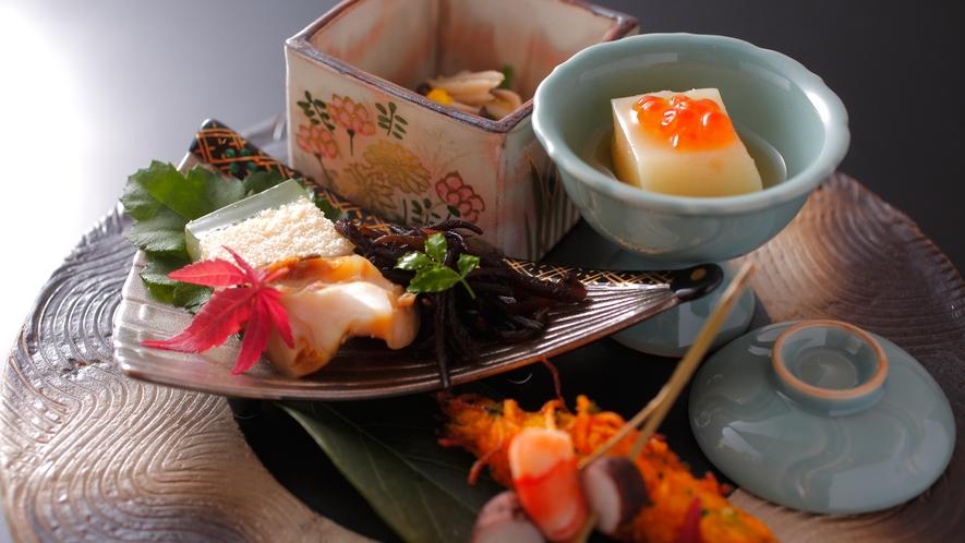 【ダイニング「清水茶寮」】夕食イメージ 旬菜取合せ