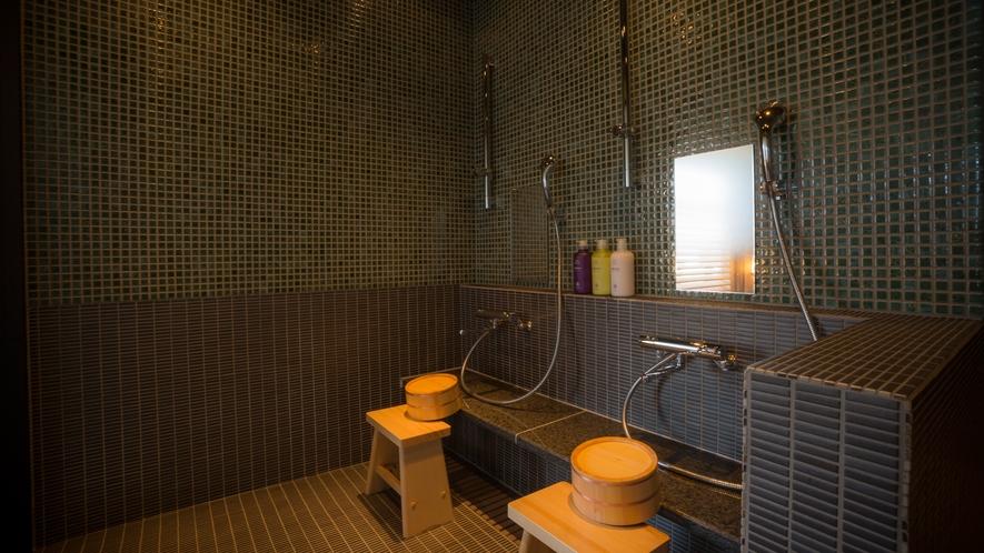 貸切風呂「蕩 八坂(to-yasaka)」 独立したシャワースペース