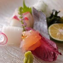 【ダイニング「清水茶寮」】夕食イメージ 明石の天然紅葉鯛、天然伊勢海老、淡路の太刀魚ほか