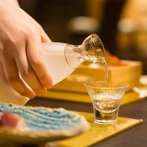 京都伏見の地酒をはじめとして多彩なお酒のセレクションをお愉しみください