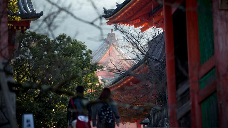 朝の東山散策や清水寺(徒歩約5分)の早朝拝観もおすすめです
