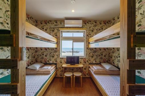 宮崎県産飫肥杉の2段ベッド!個室 定員4名様
