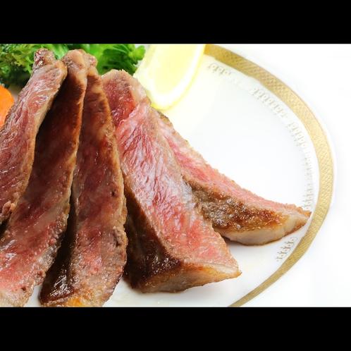 【フレンチフルコース】メインの牛ステーキ