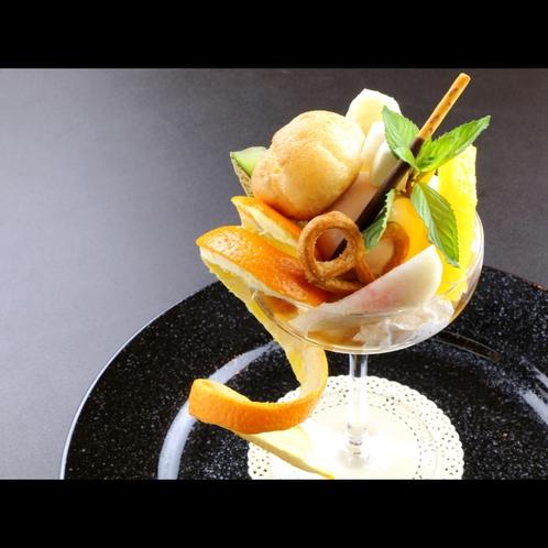 【フレンチフルコース】季節のフルーツをふんだんに使用したデザート一例