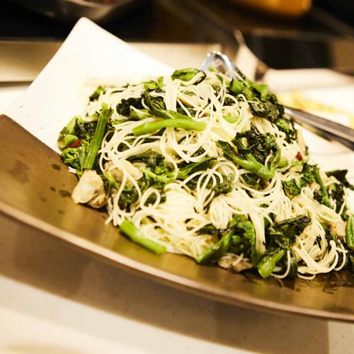 【ごちそう野菜の朝ごはん】アサリと野菜の旨みのコラボ。浅利と菜の花のカッペリーニ刻み海苔添え