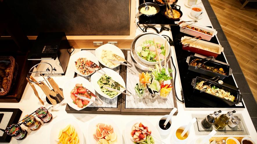 【ごちそう野菜の朝ごはん】インターゲートホテルズ料理特別顧 江本 浩司監修の彩り豊かなオリジナル料理