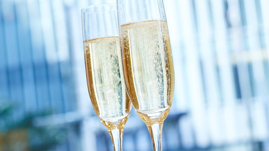 【泡活】土・日・祝日限定で、朝食のお時間に泡活スパークリングワインをご用意。優雅な朝のひとときを