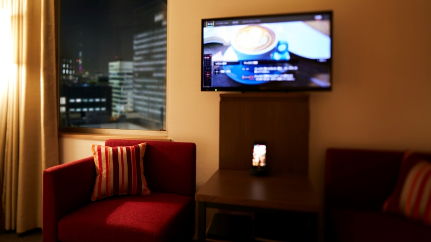 【コーナーツイン】ソファを中心に機能的な家具をご用意しました。 くつろぎの時間をお過ごしください