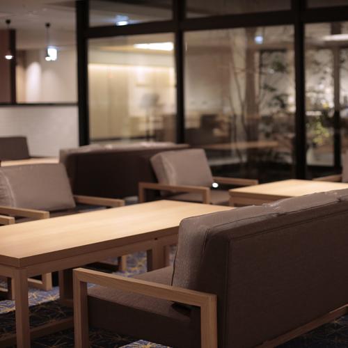 ナイトタイムは京都のぶぶ漬け(お茶漬け)をサービス。23時迄ご利用いただけます
