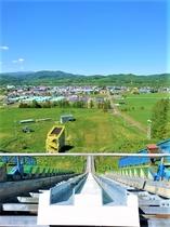 スキー場に隣接するジャンプ台